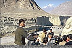 1995_PAKISTAN_Karakoram_... very dangerous, staggering suspension bridge_my motorcycle-trip around the world_Jochen A. Hübener